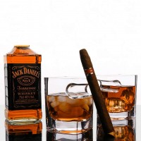 Cigar Glass (Set of 2) Whiskey Glass Cup With Cigar Holder Groove Rack
