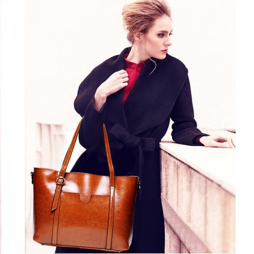 Large pocket  Leather Cowhide leather Tote in Brown One Size